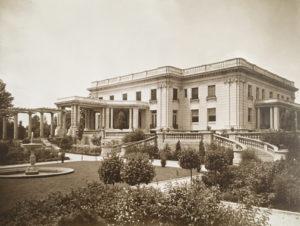 Laurel Court
